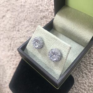 Jewelry - ✨Sterling Silver Round Cut Halo Earrings